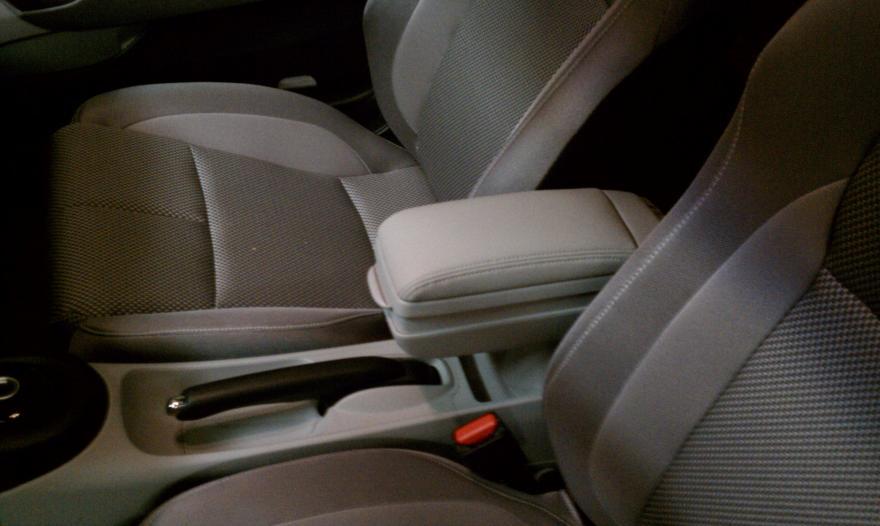 Diy Factory Armrest Install Results Honda Cr Z Hybrid Car Forums